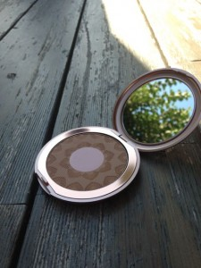 perfecting bronzer (O1 light to medium)